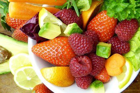 1日の推奨摂取量はいちご60個分!免疫力アップの栄養素「葉酸」の働き